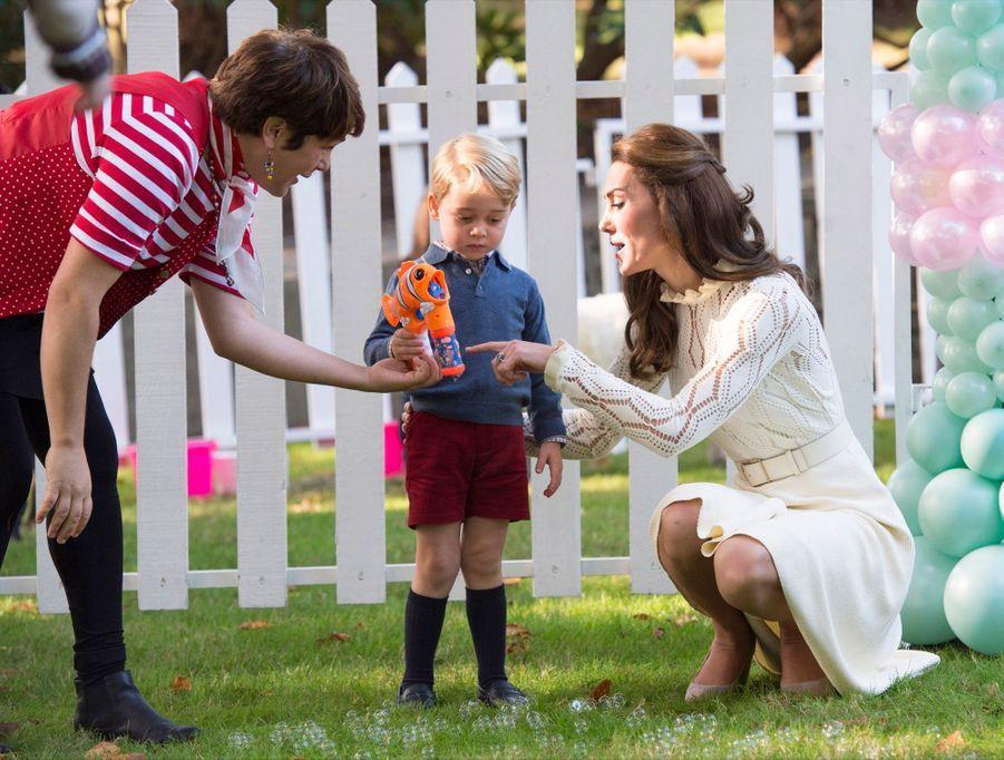 Kate et William font la fête avec George et Charlotte