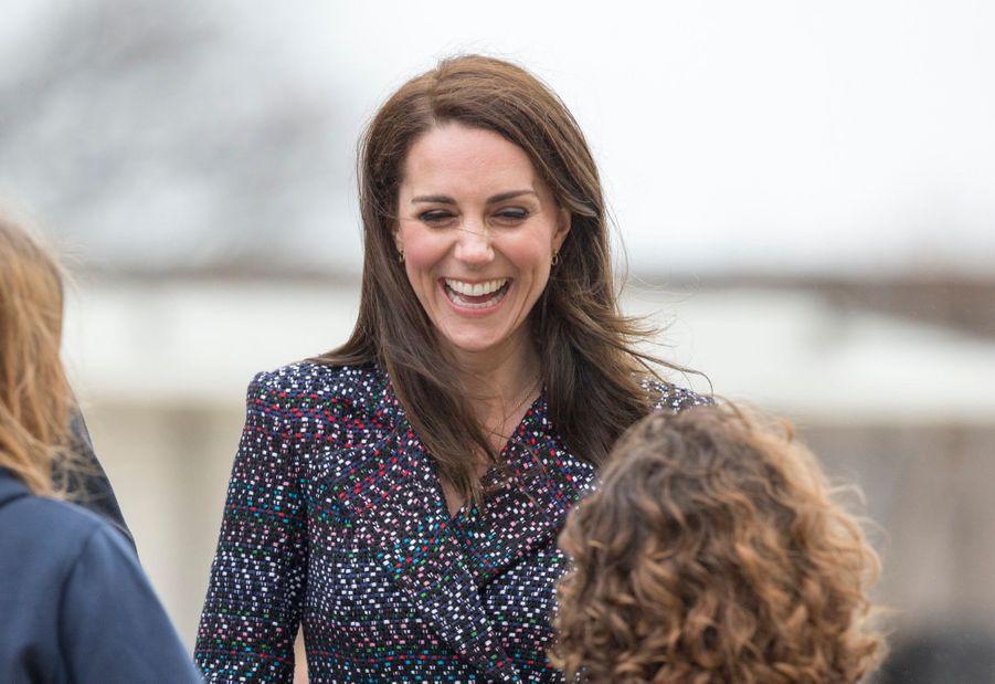 Kate Middleton Et Le Prince William Jouent Au Rugby Sur L'esplanade Du Trocadéro