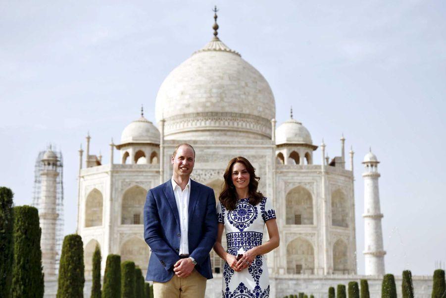 """Kate et William sur le """"banc de Lady Di"""""""