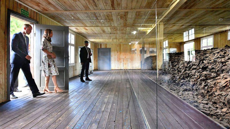 Kate Et William Visitent Le Camp De Concentration De Stutthof, En Pologne 14