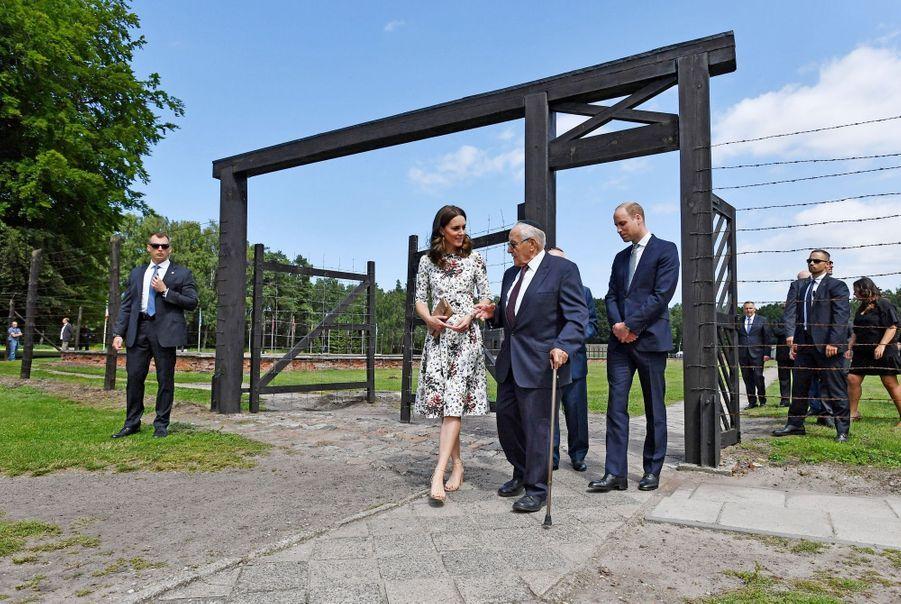 Kate Et William Visitent Le Camp De Concentration De Stutthof, En Pologne 15