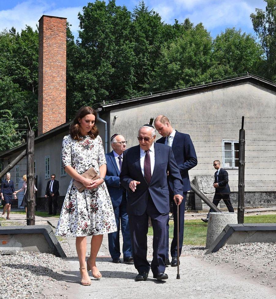 Kate Et William Visitent Le Camp De Concentration De Stutthof, En Pologne 18