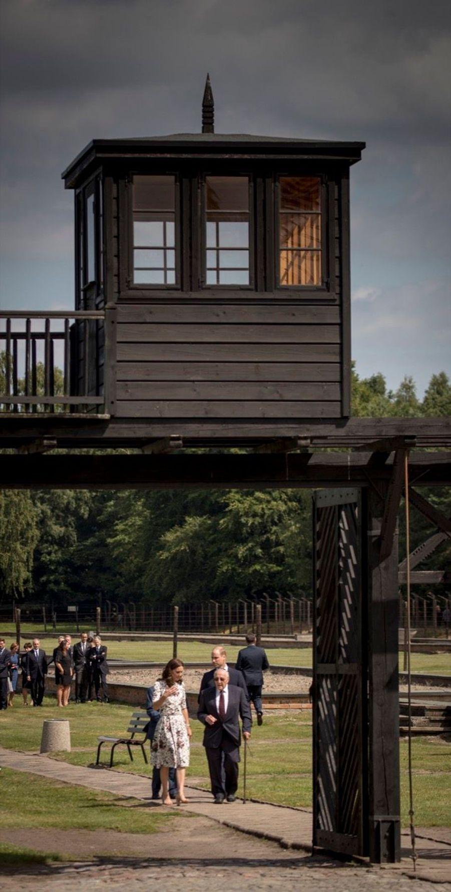 Kate Et William Visitent Le Camp De Concentration De Stutthof, En Pologne 3