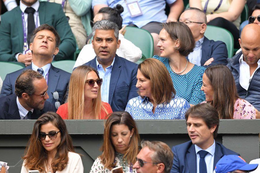 James Middleton, Alizée Thévenet, Carole Middleton et Pippa Middleton à Wimbledon le 14 juillet 2019