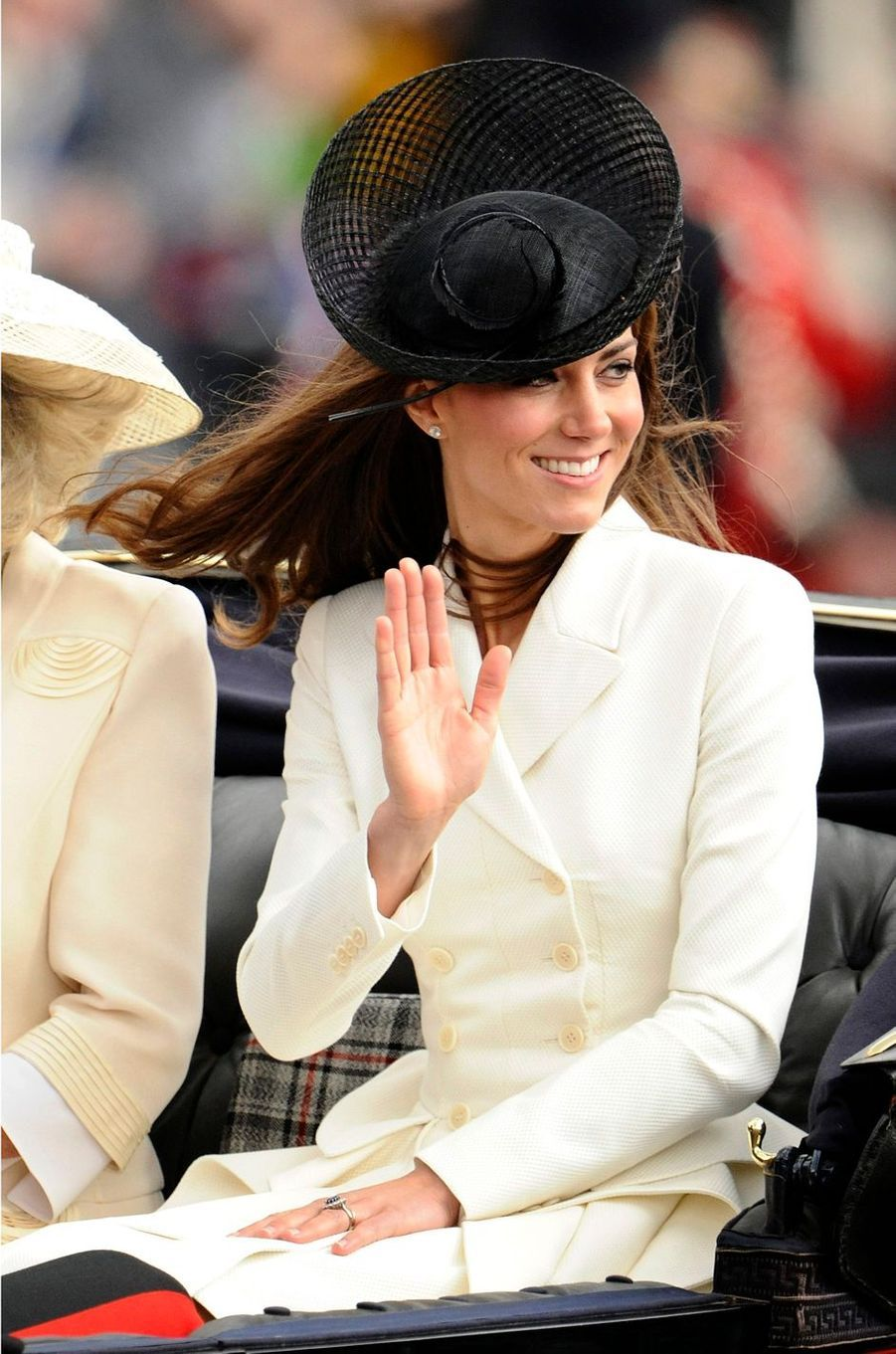 La duchesse Catherine de Cambridge en Alexander McQueen à la cérémonie Trooping the Colour à Londres le 11 juin 2011