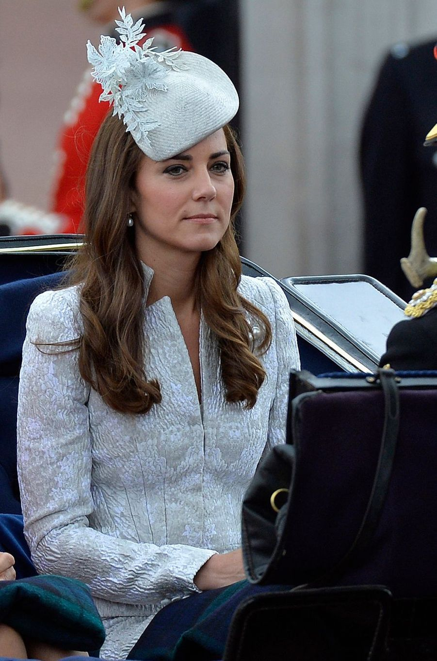 La duchesse Catherine de Cambridge en Alexander McQueen à la cérémonie Trooping the Colour à Londres le 14 juin 2014