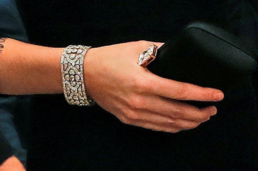 Le Diamond Quatrefoil Bracelet de la Queen Mum, porté par Kate Middleton le 7 novembre 2017