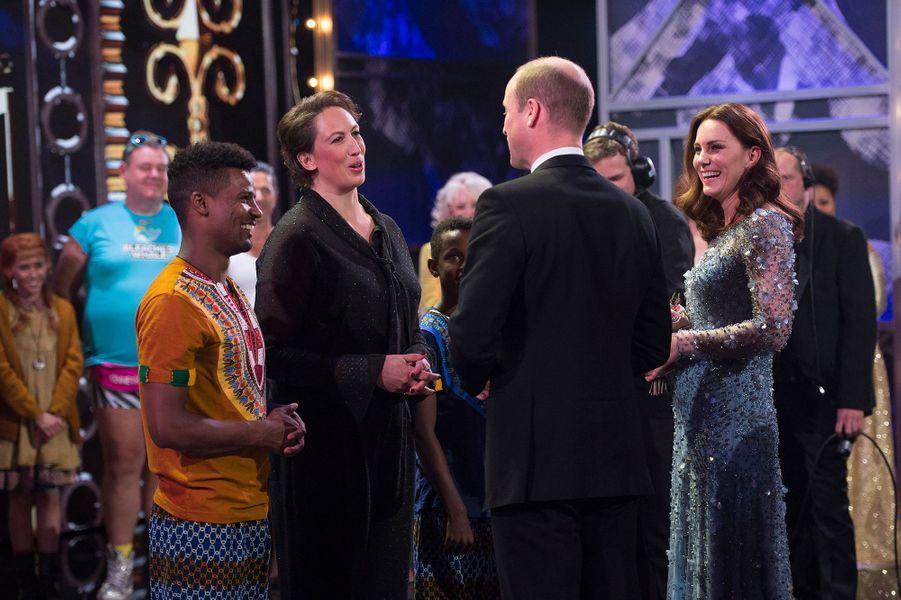 La duchesse Catherine de Cambridge et le prince William avec Miranda Hart à Londres le 24 novembre 2017
