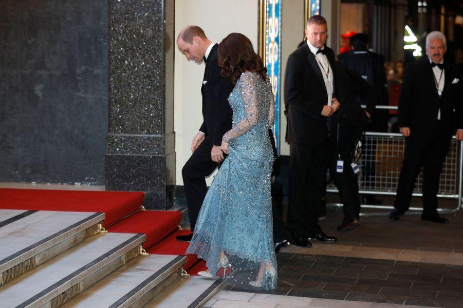 La duchesse Catherine de Cambridge en Jenny Packham à Londres, le 24 novembre 2017