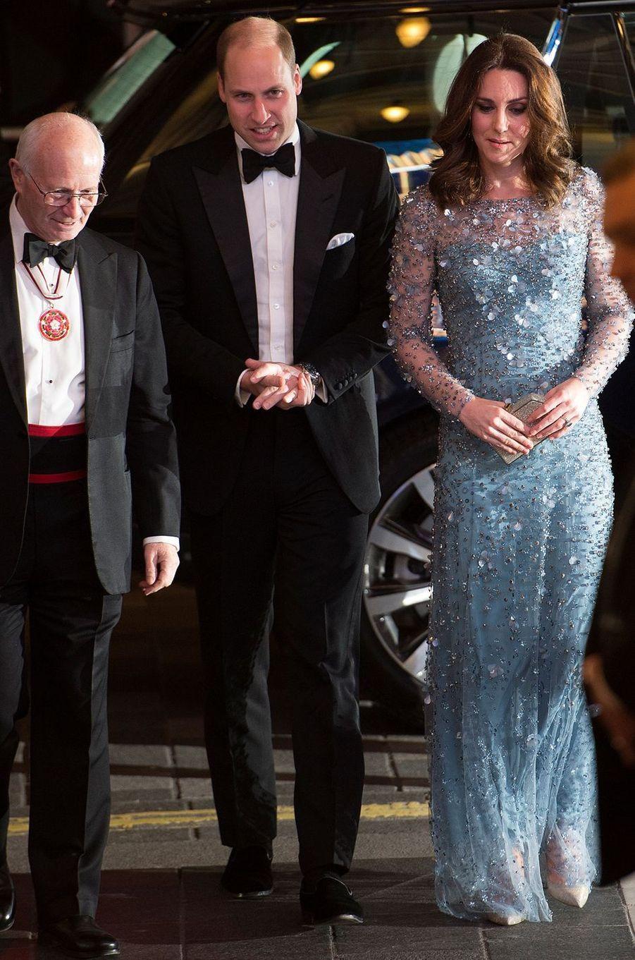 Kate Middleton enceinte et le prince William à Londres, le 24 novembre 2017