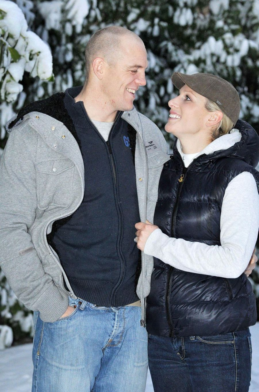 Diamants pour Zara Phillips, fiancée à Mike Tindall en 2010