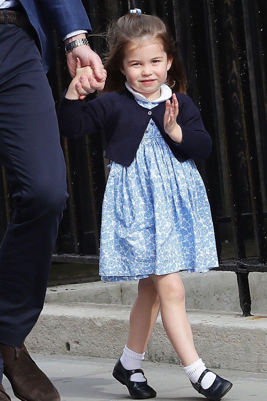 Le Prince George Et La Princesse Charlotte Rencontrent Leur Petit Frère 19