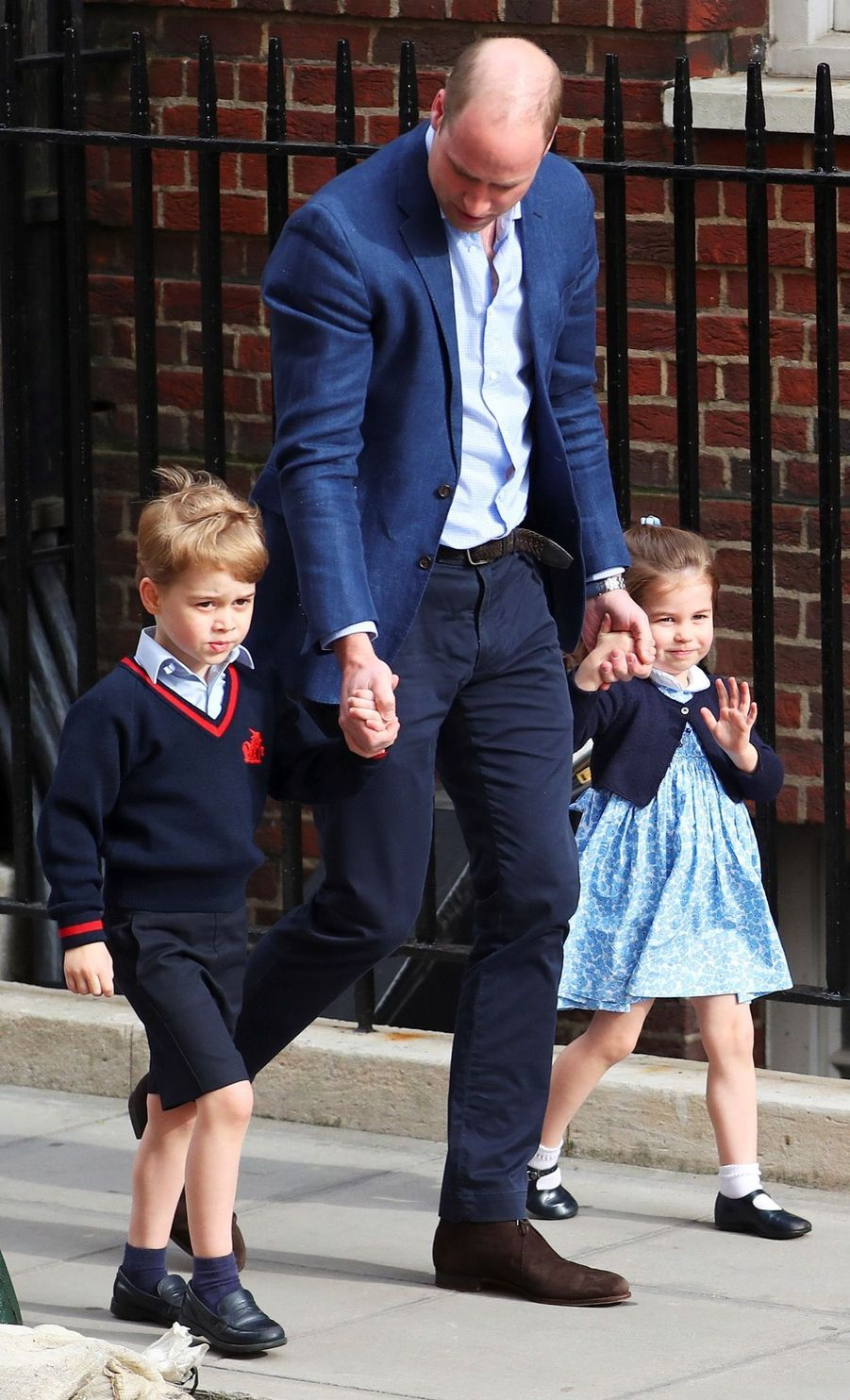 Le Prince George Et La Princesse Charlotte Rencontrent Leur Petit Frère 3