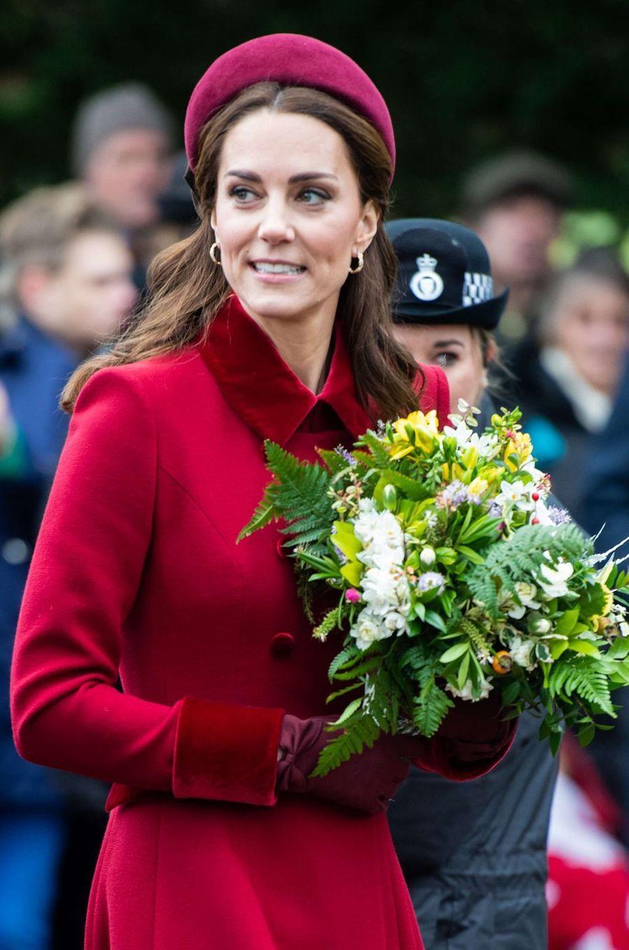 Kate Middleton, duchesse de Cambridge, avec un headband à Sandringham le 25 décembre 2018