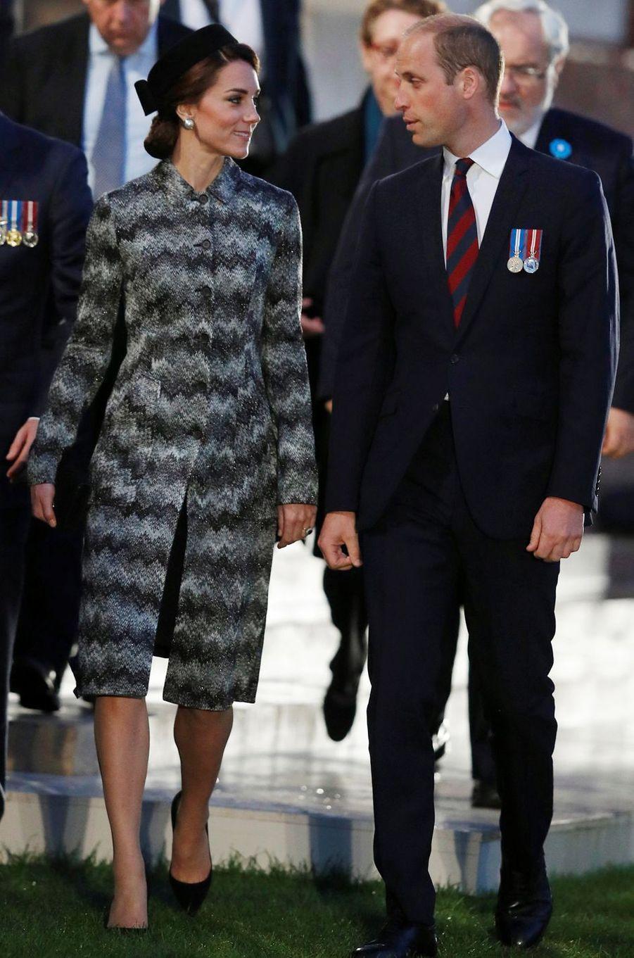 Kate Middleton le 30 juin 2016 dans un manteau Missoni à 2 900 livres