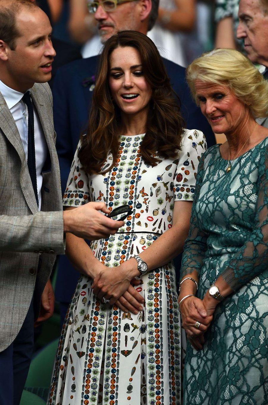 Kate Middleton le 10 juillet 2016 dans une robe Alexander McQueen à 2 300 livres