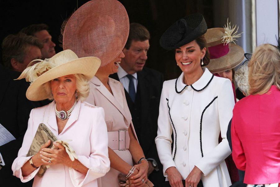 Camilla, duchesse de Cornouailles et Kate, duchesse de Cambridge, à la chapelle Saint-Georges de Windsor lors de la cérémonie del'Ordre de la Jarretière le 17 juin 2019