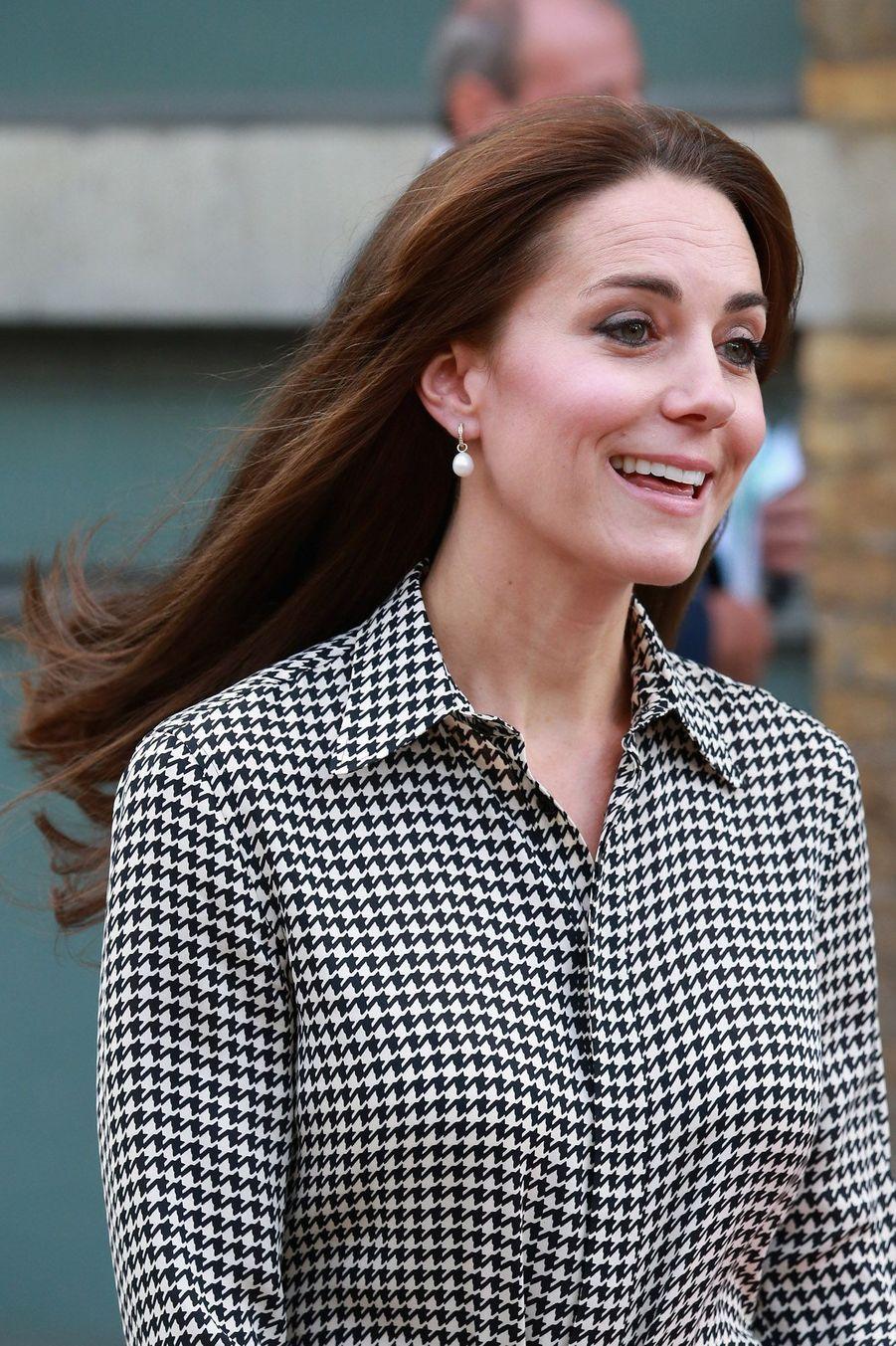 Kate, une rentrée tout sourire