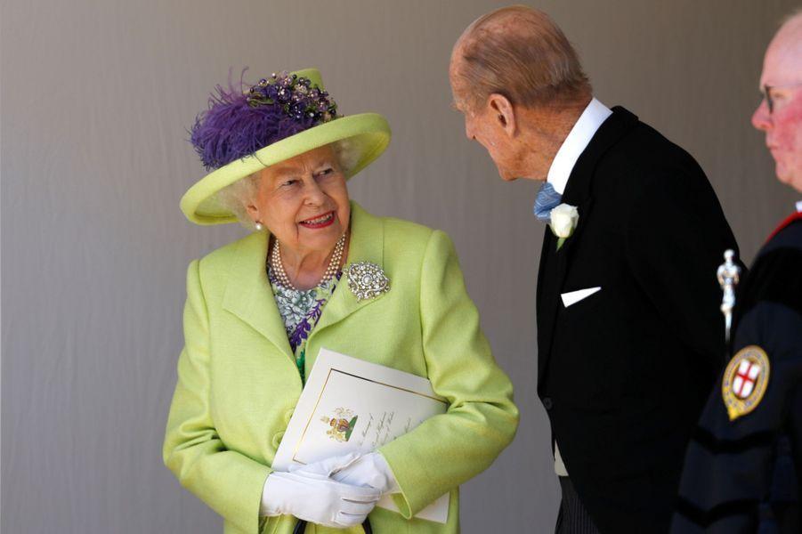 La reine Elizabeth II coiffée d'un chapeau de Angela Kelly, le 19 mai 2018