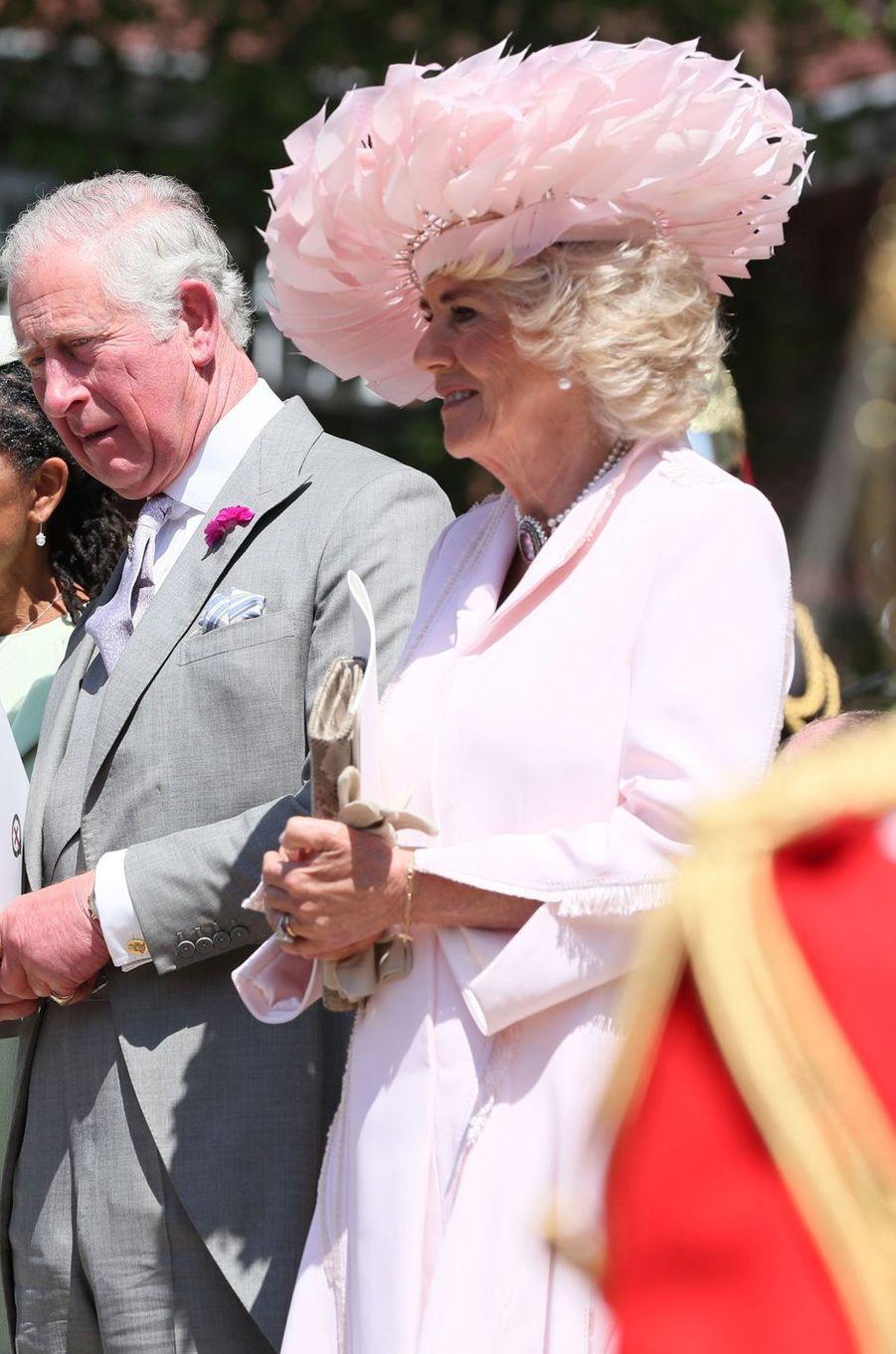 La duchesse de Cornouailles Camilla coiffée d'un chapeau de Philip Treacy, le 19 mai 2018