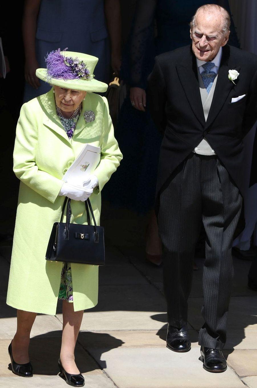 La reine Elizabeth II dans un manteau Stuart Parvin, le 19 mai 2018