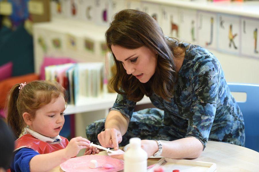 Kate Middleton En Visite À La Reach Academy De Feltham 17