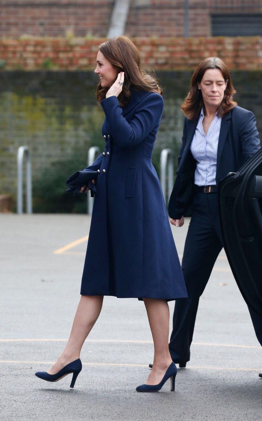 Kate Middleton En Visite À La Reach Academy De Feltham 2