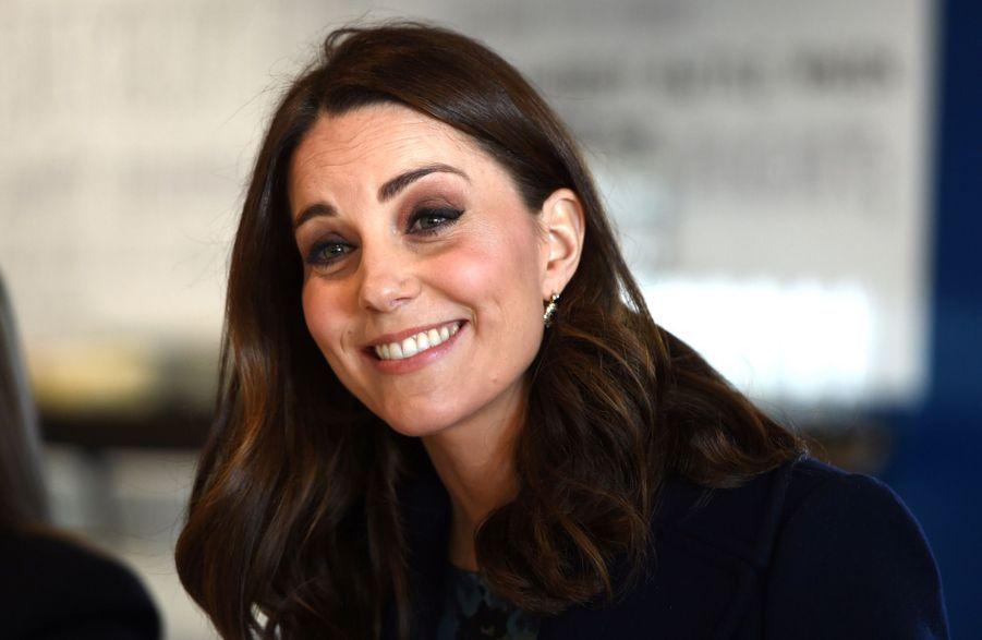 Kate Middleton En Visite À La Reach Academy De Feltham 23