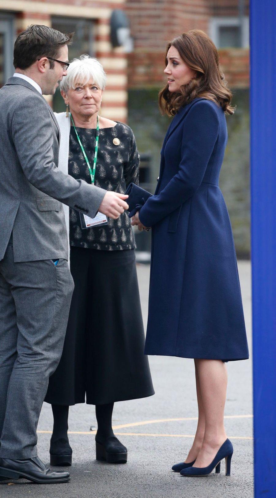 Kate Middleton En Visite À La Reach Academy De Feltham 3