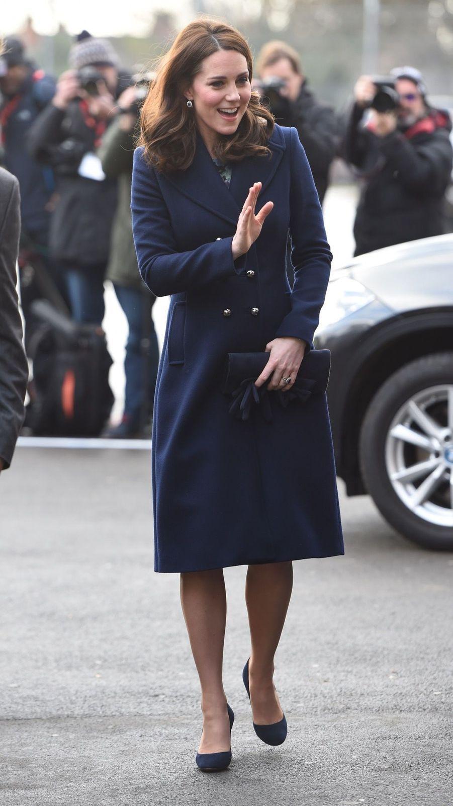 Kate Middleton En Visite À La Reach Academy De Feltham 6