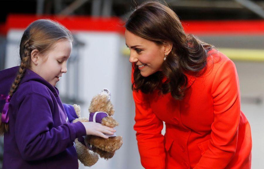 Kate Middleton Enceinte Au Chevet De Rafael, Au Great Ormond Street Hospital 01