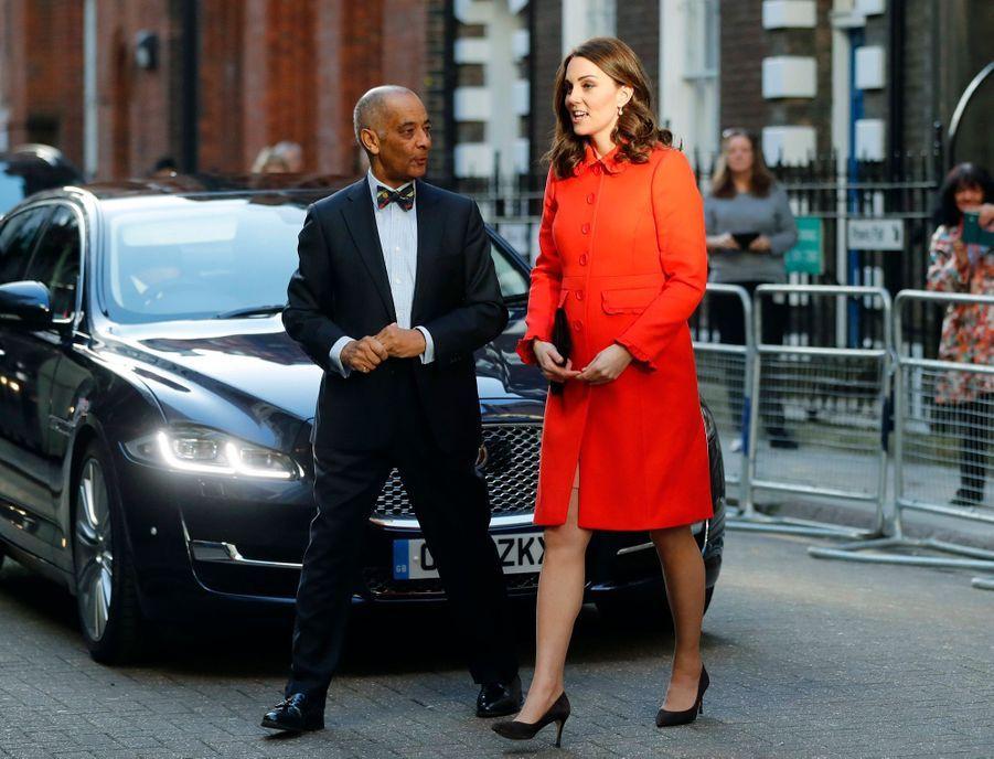 Kate Middleton Enceinte Au Chevet De Rafael, Au Great Ormond Street Hospital 03