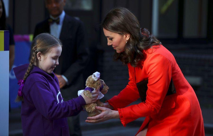 Kate Middleton Enceinte Au Chevet De Rafael, Au Great Ormond Street Hospital 05