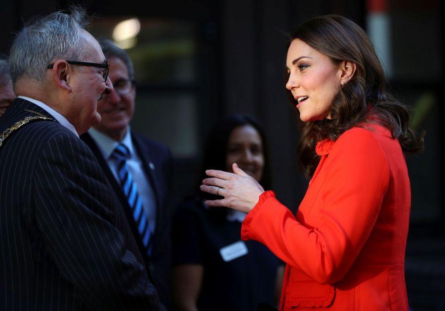 Kate Middleton Enceinte Au Chevet De Rafael, Au Great Ormond Street Hospital 06