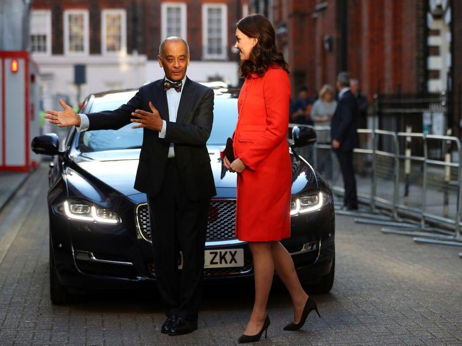 Kate Middleton Enceinte Au Chevet De Rafael, Au Great Ormond Street Hospital 10