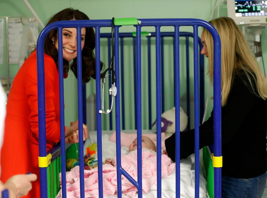 Kate Middleton Enceinte Au Chevet De Rafael, Au Great Ormond Street Hospital 15