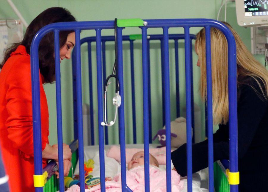 Kate Middleton Enceinte Au Chevet De Rafael, Au Great Ormond Street Hospital 23