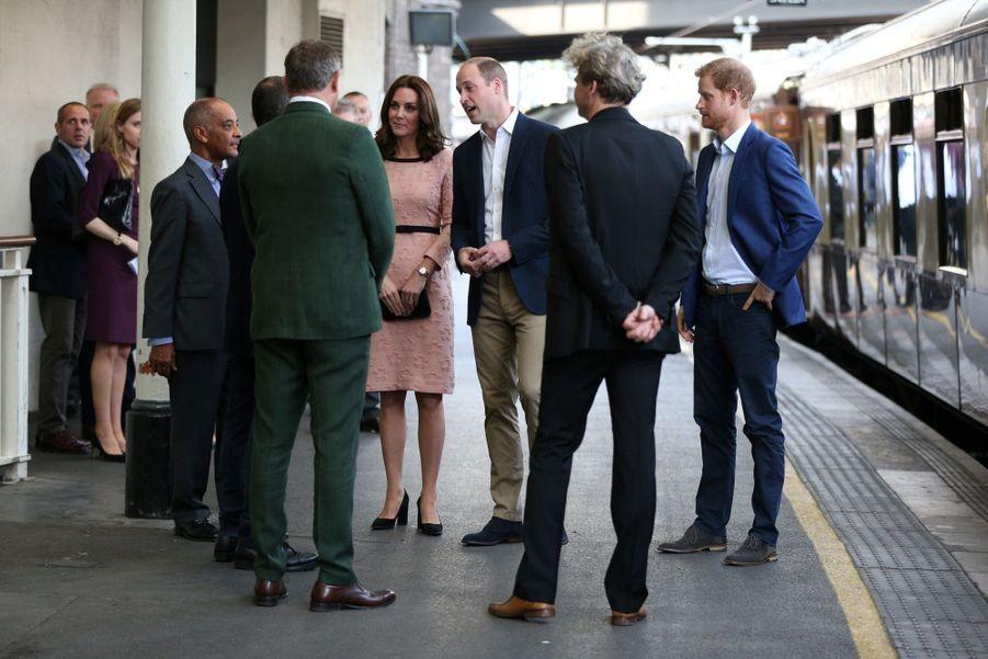 Kate Middleton Enceinte Danse Avec L'ours Paddington 13