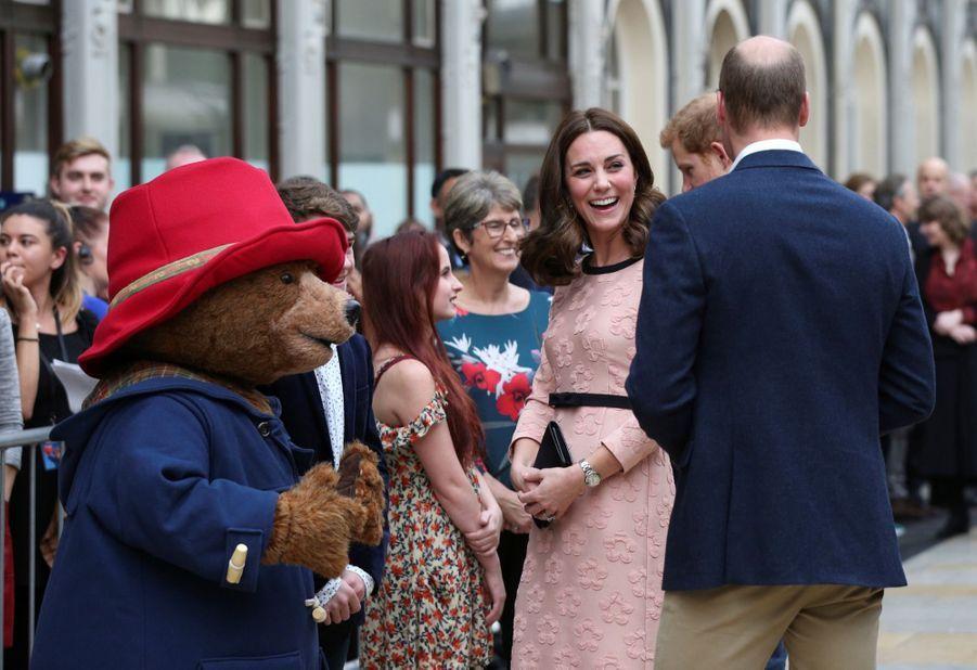Kate Middleton Enceinte Danse Avec L'ours Paddington 2