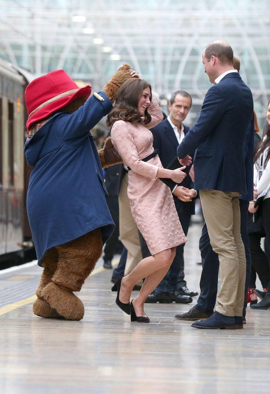 Kate Middleton Enceinte Danse Avec L'ours Paddington 23