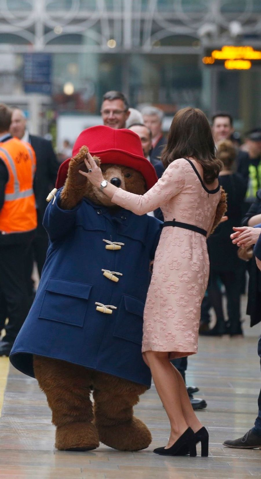 Kate Middleton Enceinte Danse Avec L'ours Paddington 31