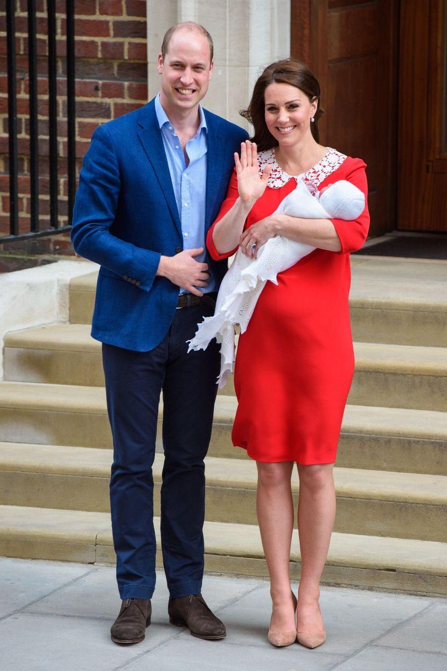 Kate Middleton Rayonnante À La Sortie De La Maternité 3