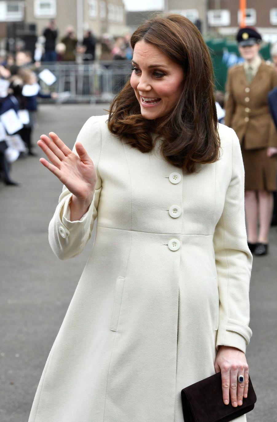 Kate Middleton enceinte de son troisième enfant, le 6 mars 2018.
