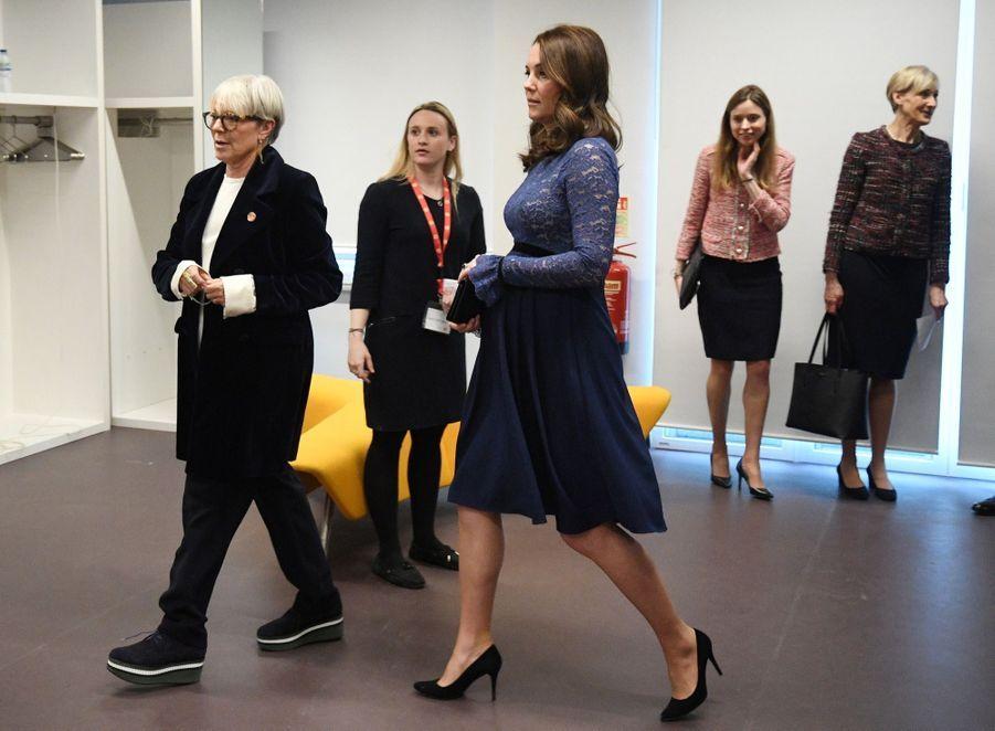 Kate Middleton enceinte de son troisième enfant, le 7 mars 2018.