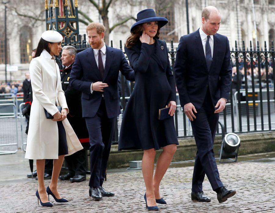 Kate Middleton enceinte de son troisième enfant, le 12 mars 2018.