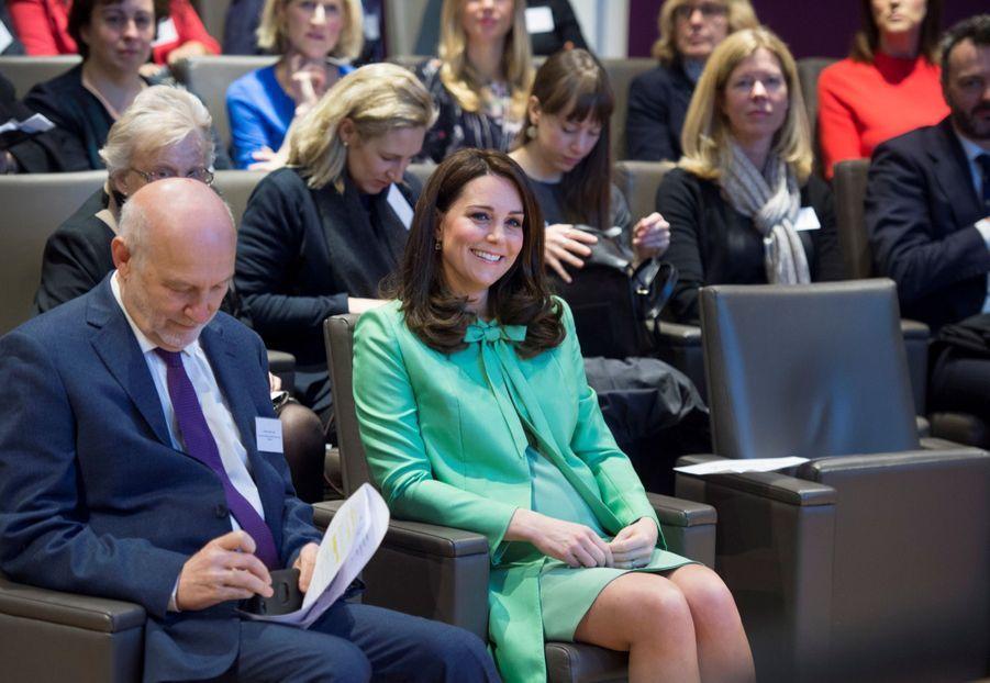 Kate Middleton enceinte de son troisième enfant, le 21 mars 2018.