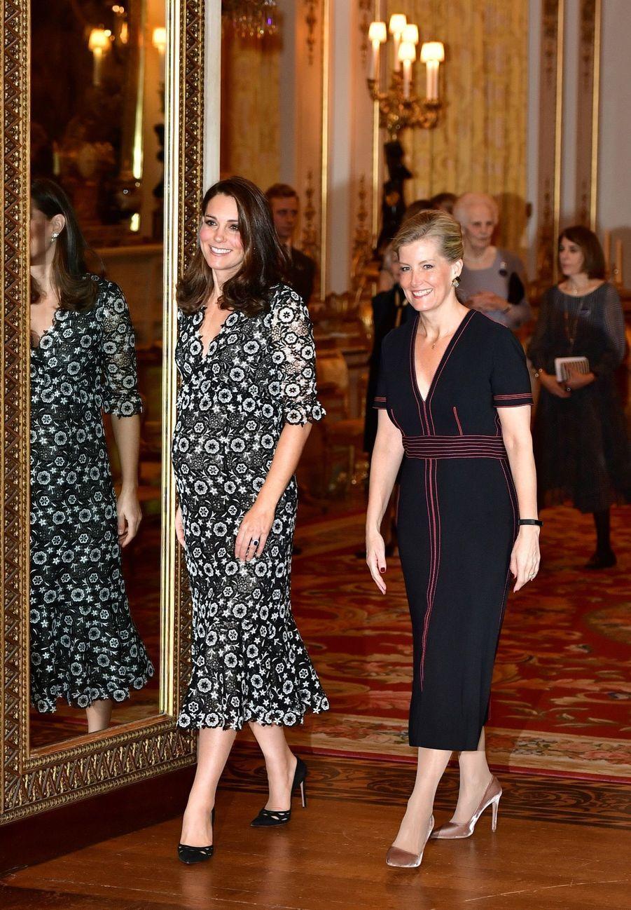 Kate Middleton enceinte de son troisième enfant, le 19 février 2018.