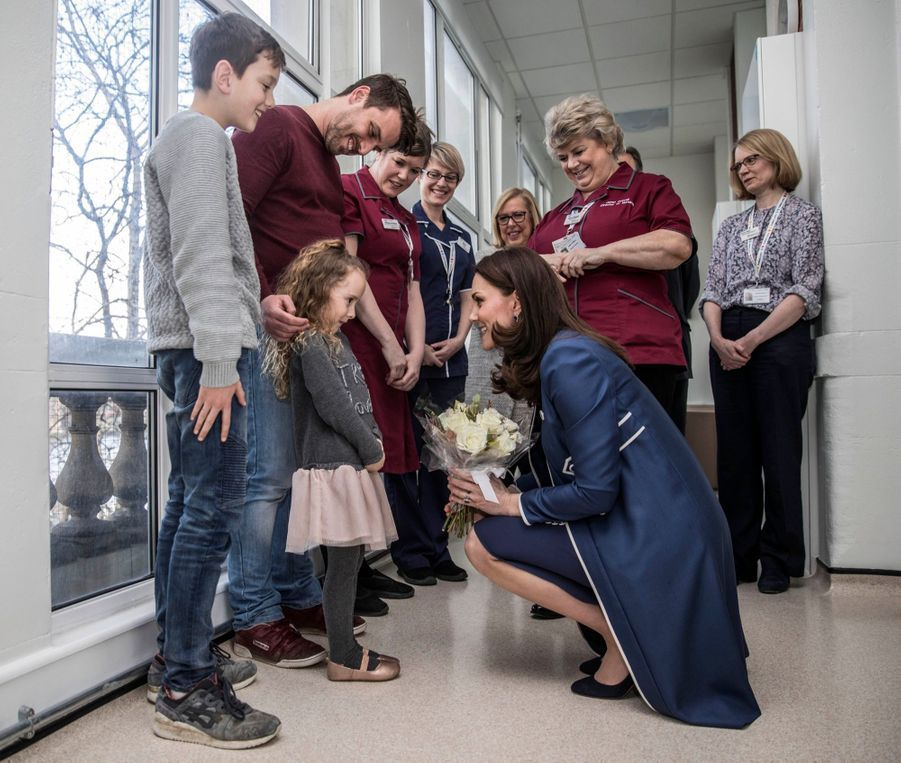 Kate En Visite Au St Thomas' Hospital 9