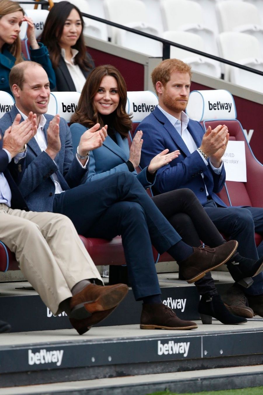 Kate, William Et Harry En Visite Au Stade De West Ham United 12