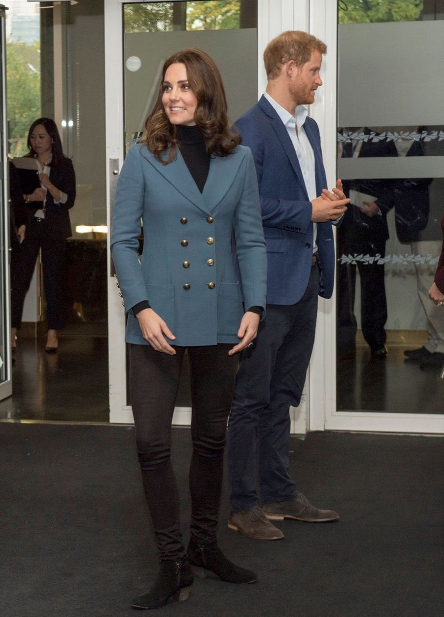 Kate, William Et Harry En Visite Au Stade De West Ham United 14